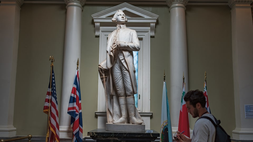 A statue of Dr. Joseph Warren.