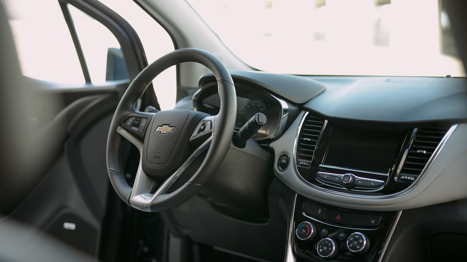 The driver's side of the Chevrolet Trax interior.