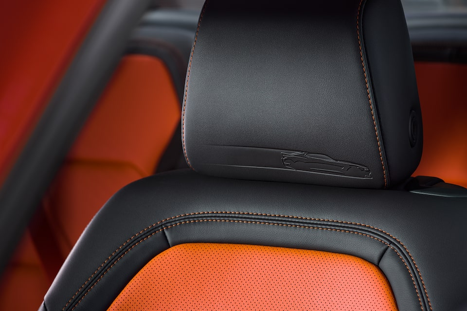 Chevrolet Camaro Hot Wheels Edition: Interior Seats Stitching