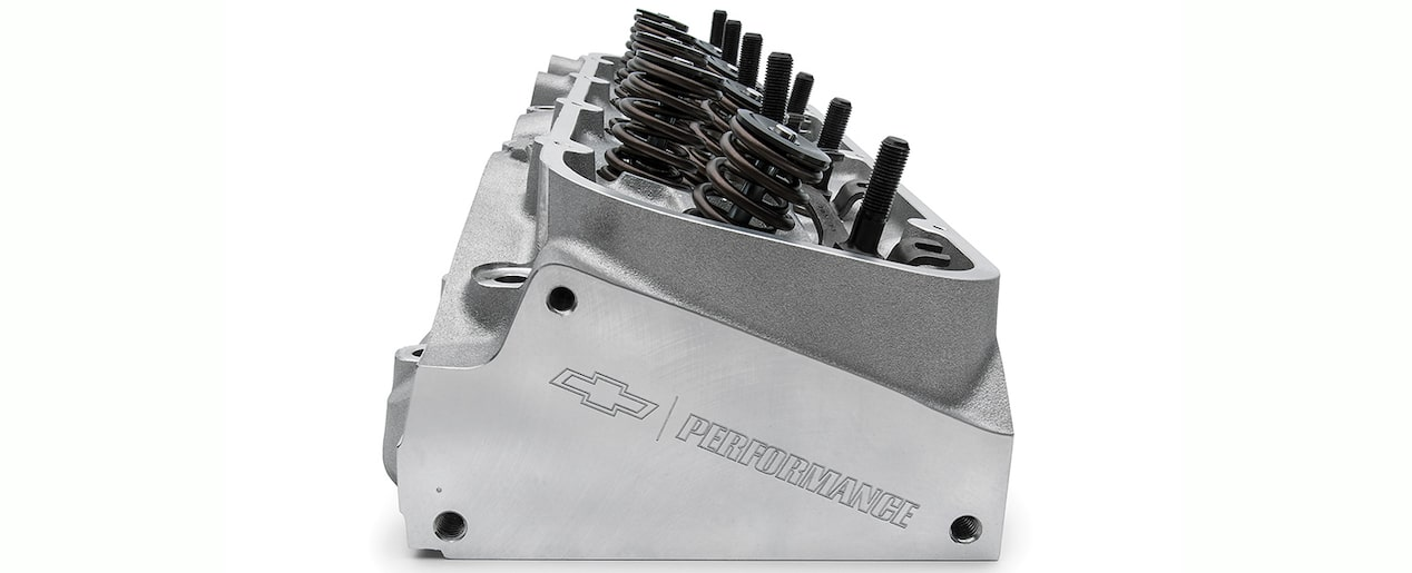 Bowtie 572/620 Cylinder Head Assembly Chevy Performance