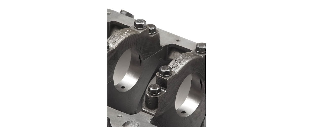 Chevrolet Performance Small-Block Production-Based Engine Block Straight 4-Bolt Mains View