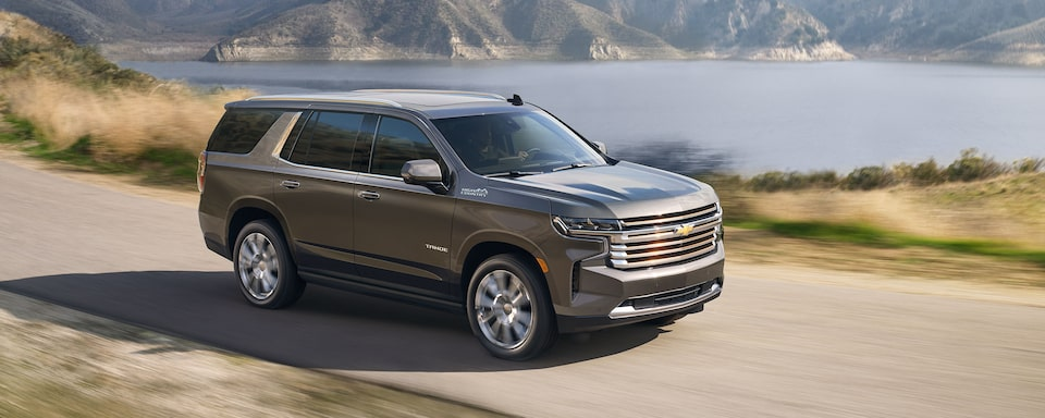 2021 Chevrolet Tahoe Full-Size SUV Front Side Exterior