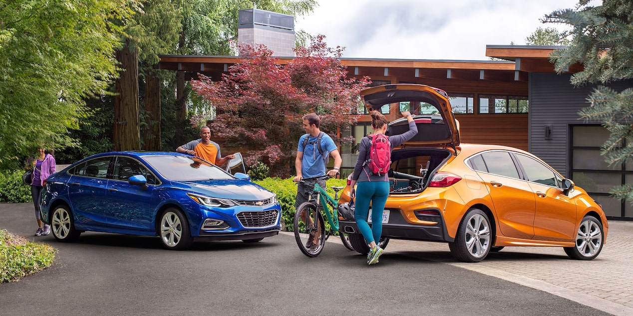 2017 Cruze Compact Car Design: cargo space