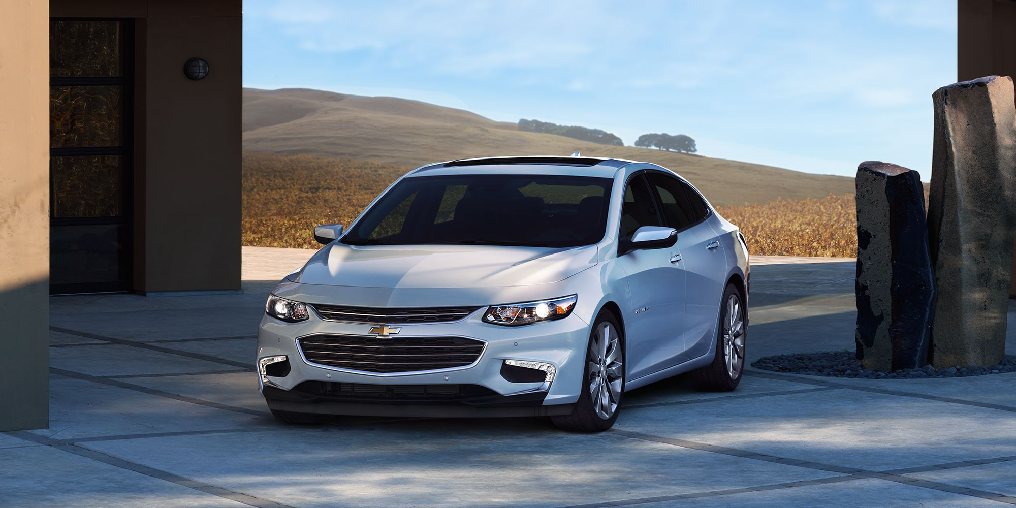 Exterior design of the 2017 Chevrolet malibu in Roseville