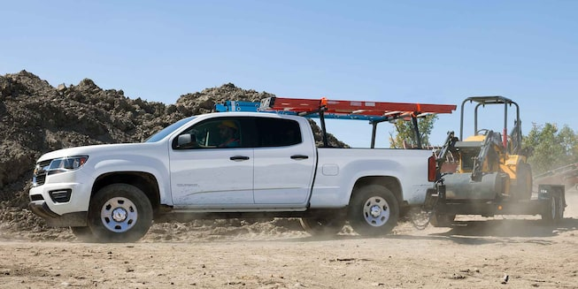 2017 Colorado Commercial Mid-Size Truck Exterior Photo: towing