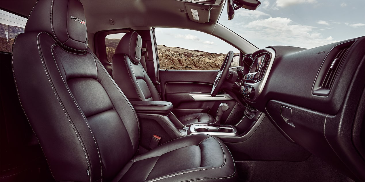 201 Colorado ZR2: interior