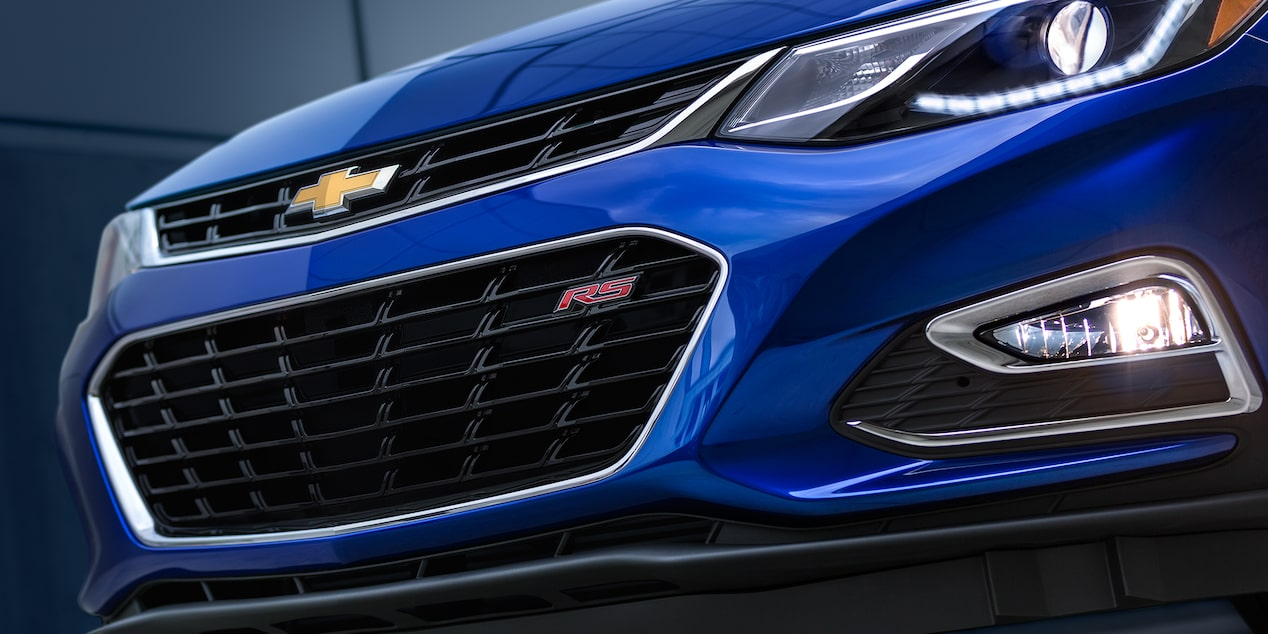 2018 Cruze Compact Car Exterior: headlamps