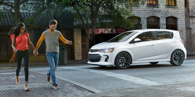 Chevrolet 2018 Sonic Compact Car Exterior Photo: hatchback front view