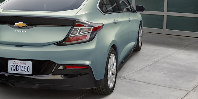 2018 Volt Plug-In Hybrid Exterior Photo: rear view