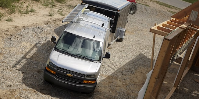 2019 Chevrolet Express Cargo Van: Overhead view of towing a trailer