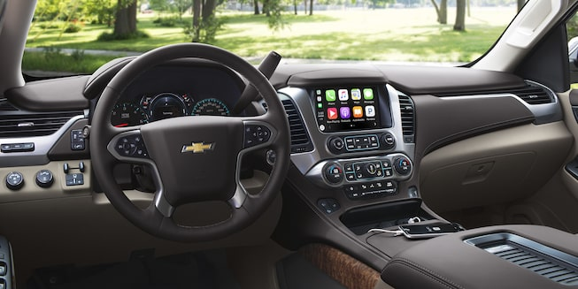 2018 Suburban SUV Interior Photo: dashboard