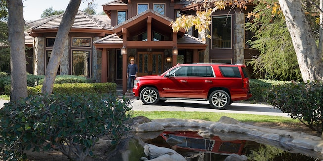 2018 Tahoe SUV Exterior Photo: side- sculpted bodyside panels
