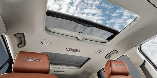 2018 Traverse Midsize Suv Interior Photo Sunroof