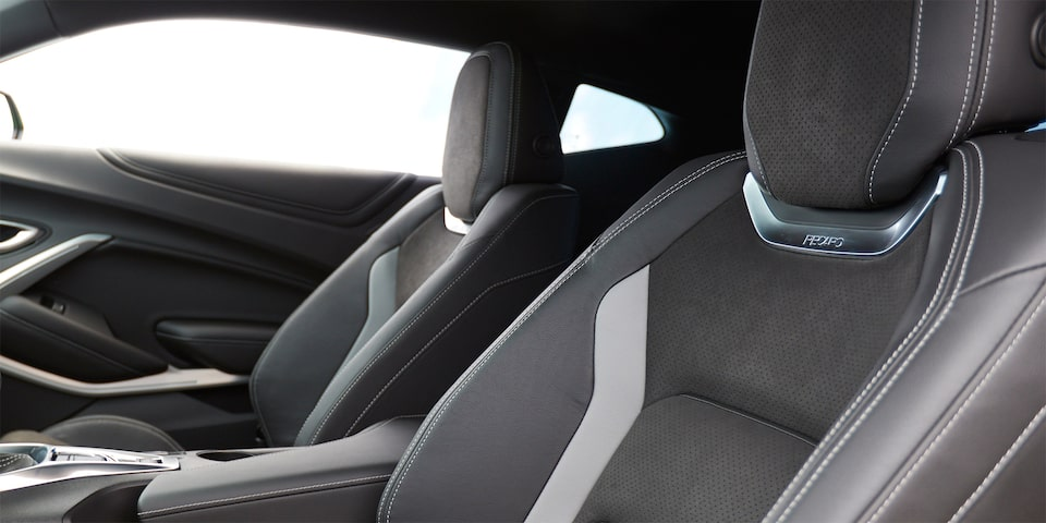 2019 Camaro 1LE Track Package: RECARO performance seats