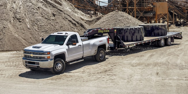 2018 Silverado HD Heavy Duty Truck Exterior Photo: side towing