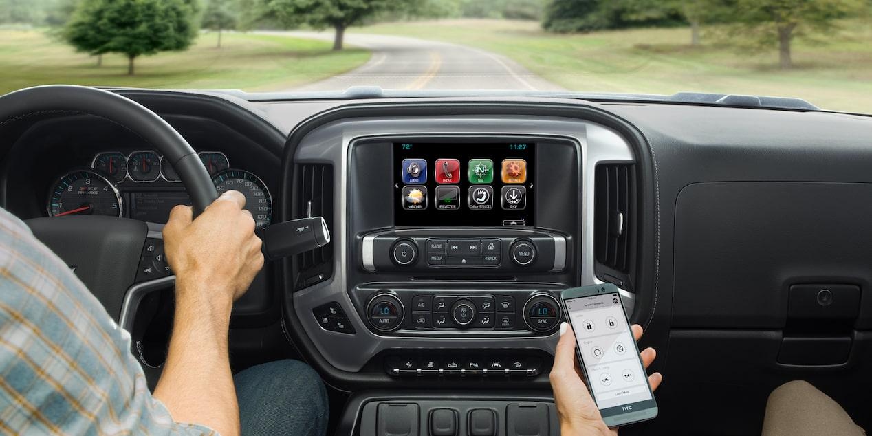 2018 silverado hd heavy duty truck technology 8 inch color touch screen