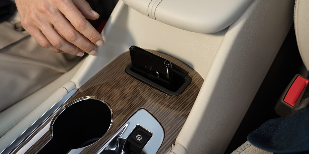 2019 Malibu Midsize Car Vehicle Technology: Wireless Charging