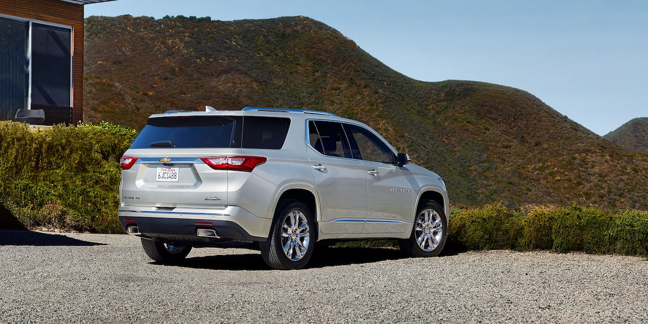 2019 Traverse Mid Size SUV Design: rear view