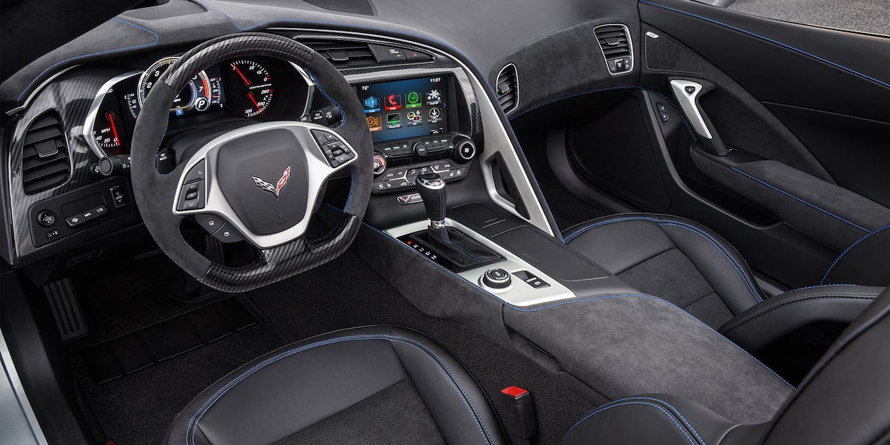 2019 Corvette Stingray Sports Car Design: cockpit