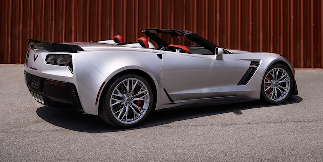 2019 Corvette Convertible Z06 Exterior Photo: back - blade silver metallic