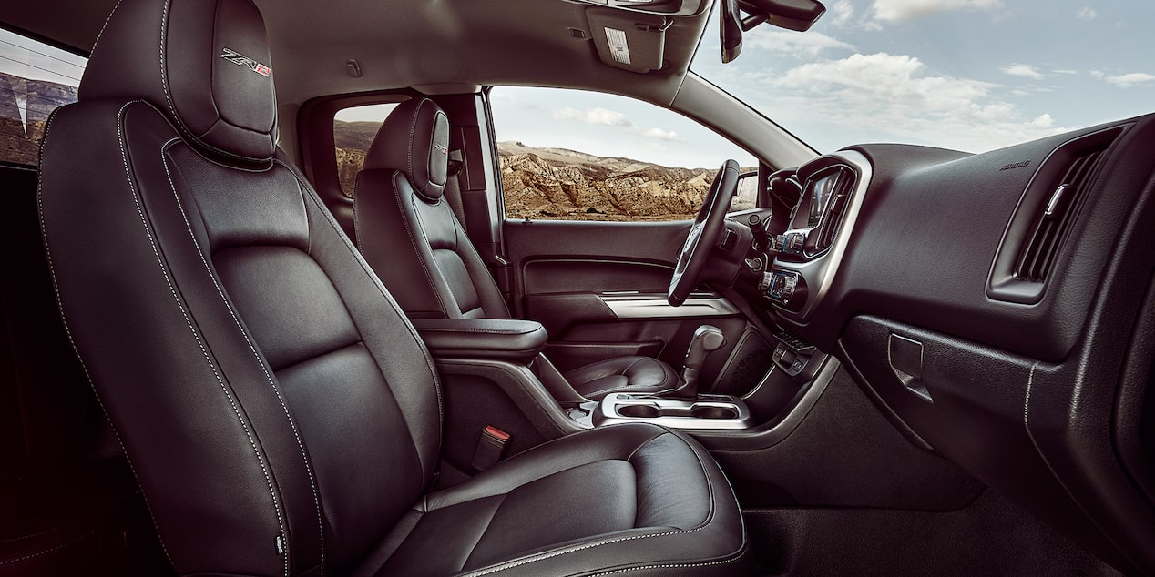 2019 Colorado ZR2 Off Road Truck Design: front interior seating
