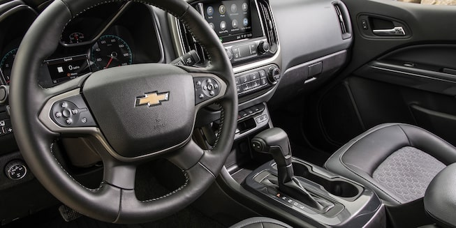 2019 Colorado Mid-Size Truck Interior Photo: dashboard