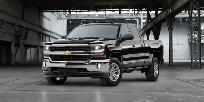2019 Silverado 1500 Pickup Truck Exterior Photo: Front View 3