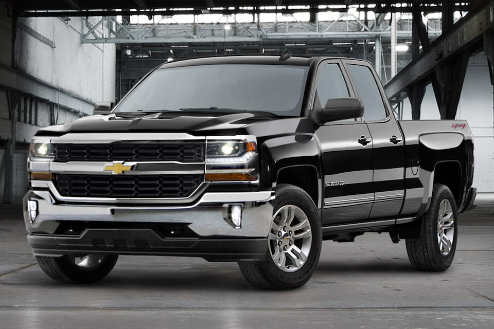 2019 Silverado 1500 Pickup Truck Performance: front view 3