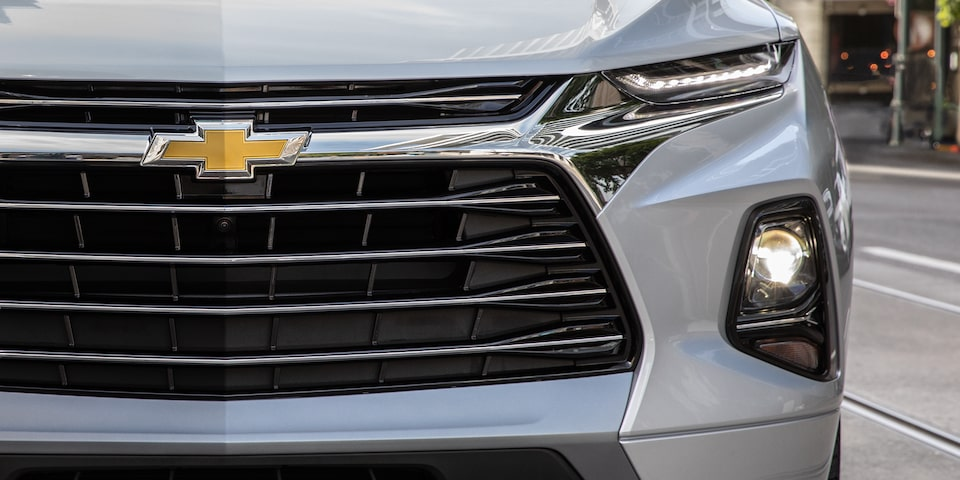 2020 Chevy Blazer Sporty SUV: grille & LED headlights