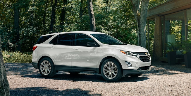 2020 Chevrolet Equinox Small SUV Front Side Exterior
