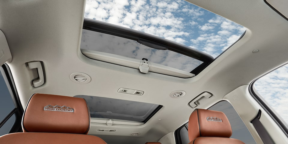 2020 Chevrolet Traverse Mid-Size SUV Interior View of Sunroof
