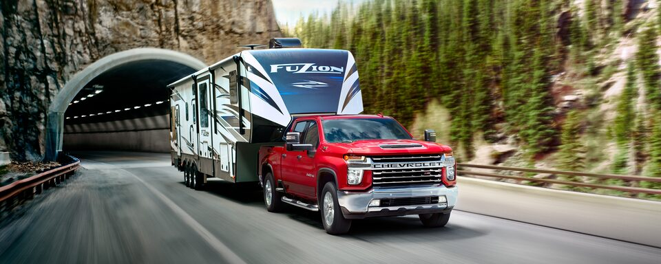 2020 Chevy All-New Silverado HD Truck: trailer being towed