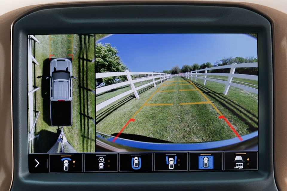All-New Silverado HD Truck: Surround vision camera displaying front & rear top-down view