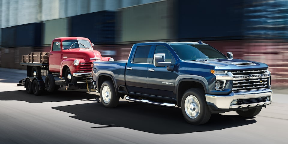 2020 Chevy All-New Silverado HD Truck: towing another vehicle