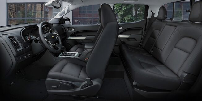 2020 Chevrolet Colorado Mid-Size Truck full cabin view