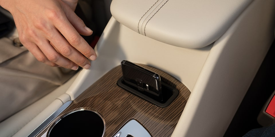 2021 Chevy Malibu Technology: Wireless Charging
