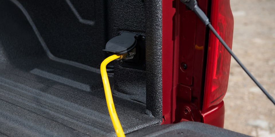 2021 Silverado HD Commercial Work Truck capability: Power Outlet