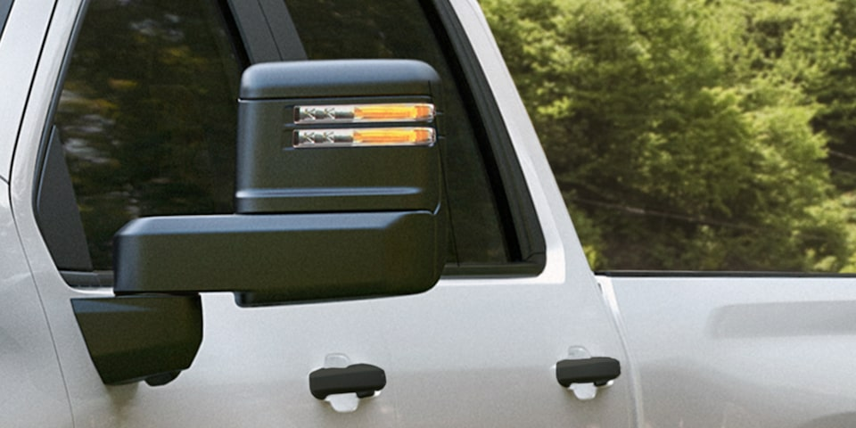 2021 Silverado HD Commercial Work Truck Towing: Large door-mounted mirrors
