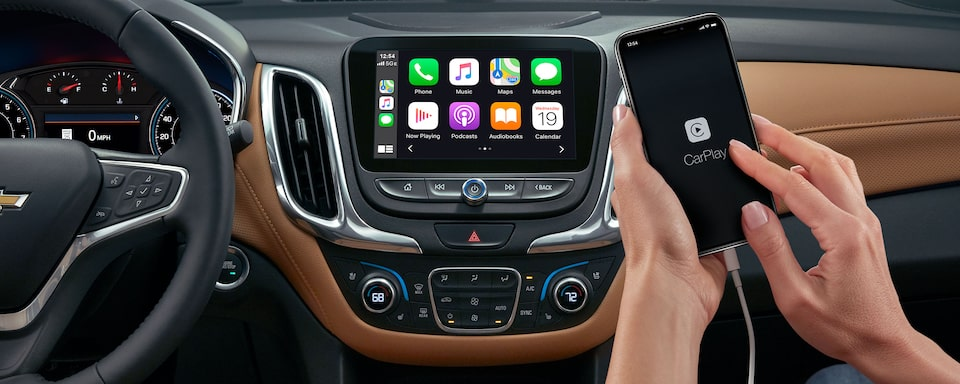 2021 Equinox SUV Infotainment and Apple Carplay