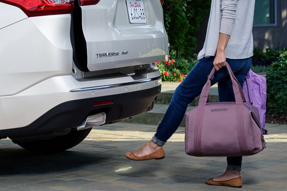 2021 Chevy Traverse: Hands-Free Power Liftgate