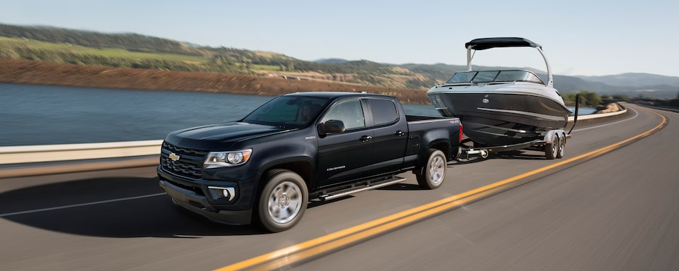 2021 Chevrolet Colorado Towing a Speedboat