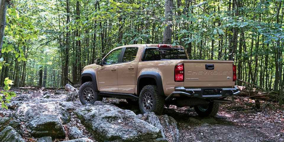2021 Chevrolet Colorado ZR2 Bison Rear & Side Profile